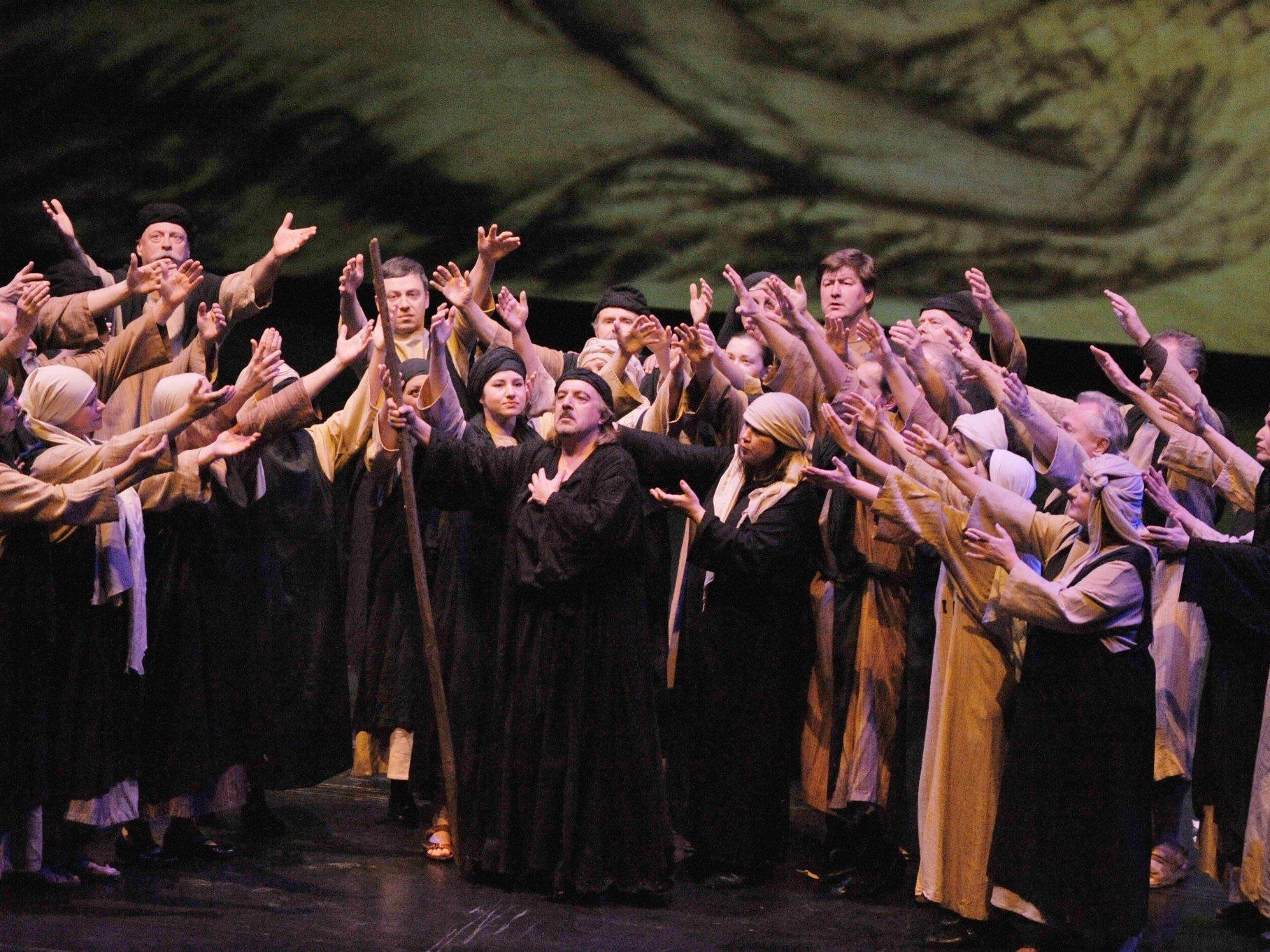 """Wir verlosen 3x2 Tickets für die Oper """"Nabucco""""."""