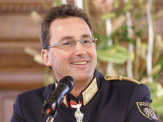 Polizeipräsident Gerhard Pürstl wurde wegen seiner Vergangenheit kritisiert