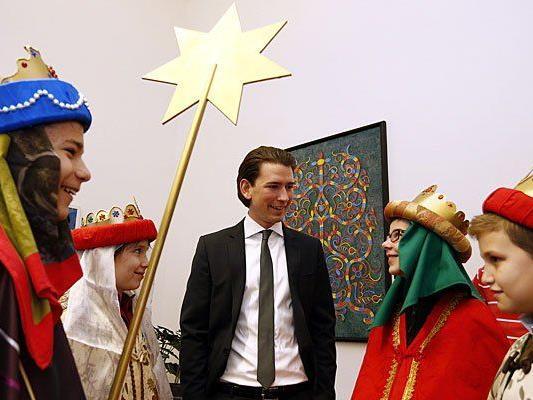 Außenminister Sebastian Kurz empfängt am Freitag, 3. Jänner 2014, die Heiligen Drei Könige in seinem Büro in Wien