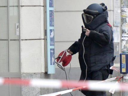 Bei einem Bankraub hatte einer der Serientäter mit einer Bombe gedroht.