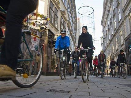 """In Wien waren 60 """"Neujahrsradler"""" unterwegs."""