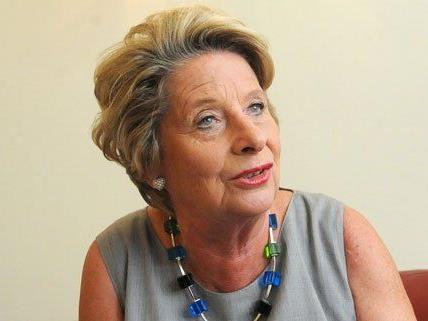 Bezirksvorsteherin Ursula Stenzel ist vom Buskonzept begeistert.