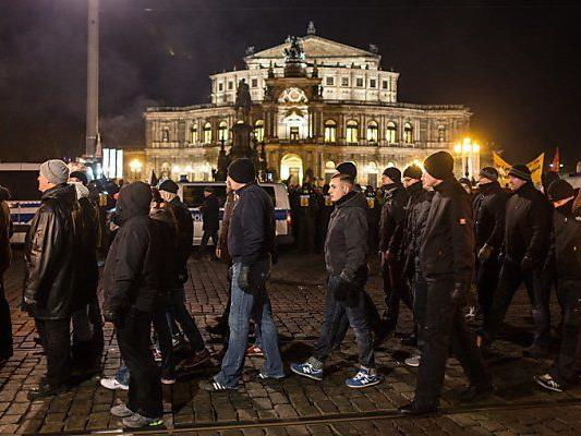 Mehr als 1.000 Menschen demonstrierten