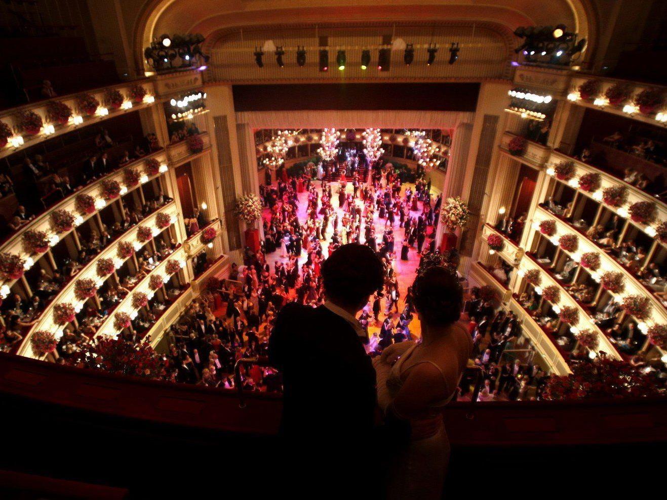 VIENNA.AT berichtet am Donnerstag, den 27. Februar 2014, live vom Opernball 2014.