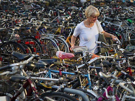 Immer mehr Menschen fahren in Wien Rad - was fehlt, sind genug Abstellplätze