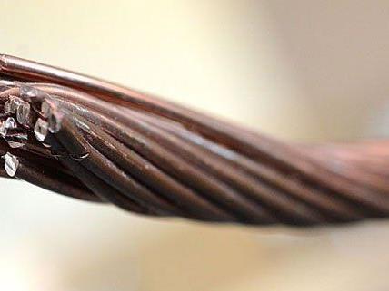 Vier mutmaßliche Kupferkabeldiebe wurden festgenommen.