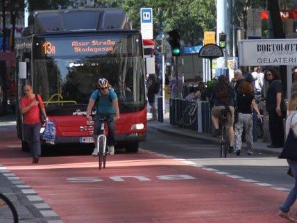 Mariahilfer Straße: ÖVP besucht mit eigenen Wahlurnen die Unternehmer