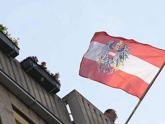 Der Versuch, eine Österreich-Fahne anzubringen, wurde einem Mann zum Verhängnis