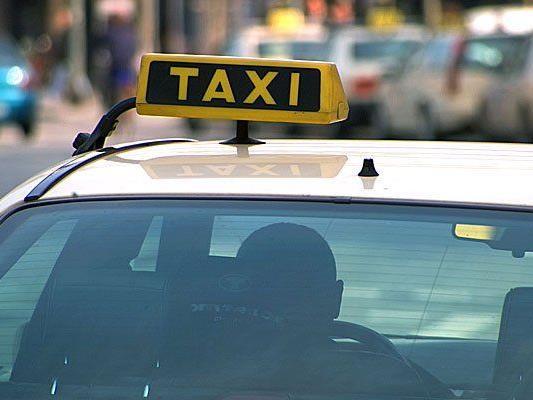 In einem Taxi kam es zu einem brutalen Überfall