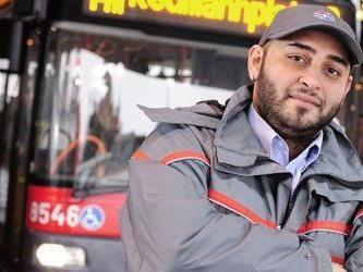 Dieser Busfahrer ertappte den Taschendieb.