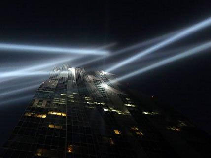 Mit einer beeindruckenden Light Show wurde die Eröffnung gefeiert.