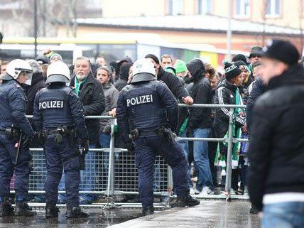 Großes Polizeiaufgebot vor dem Wiener Derby am Sonntag.