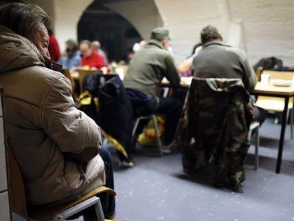 In den Wärmestuben können die Obdachlosen nicht übernachten, sich aber ein paar Stunden aufhalten.