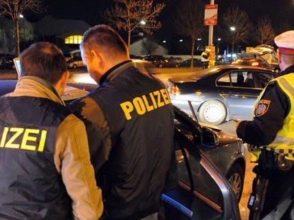 Beamte der SOKO Ost waren in Wien, Niederösterreich und dem Burgenland im Einsatz.