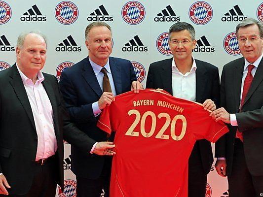 Hoeneß, Rummenigge, Hainer, Hopfner im Jahr 2011