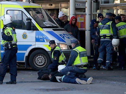 Ausschreitungen vor Partie Helsingborg-Djurgarden