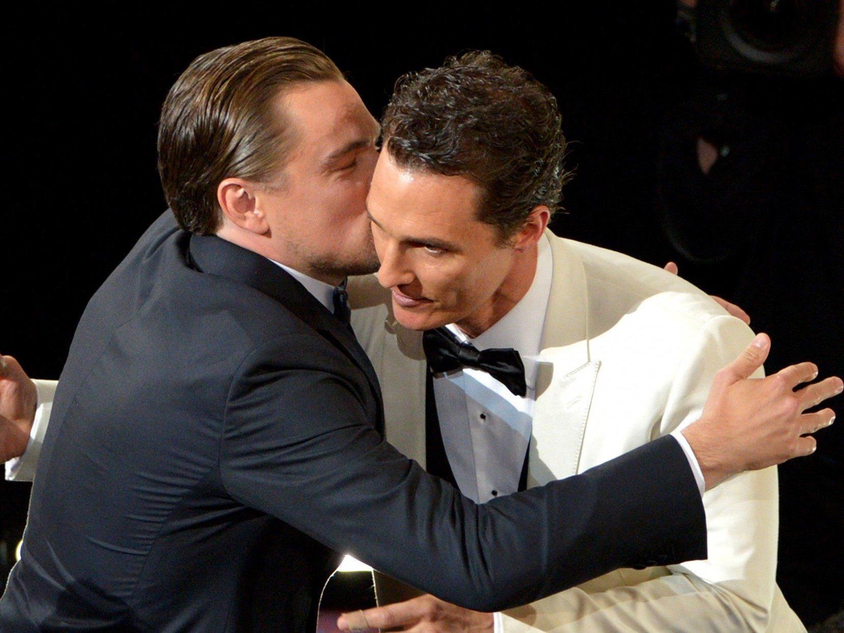 Leonardo DiCaprio gratulierte Matthew McConaughey zu seinem Oscar.