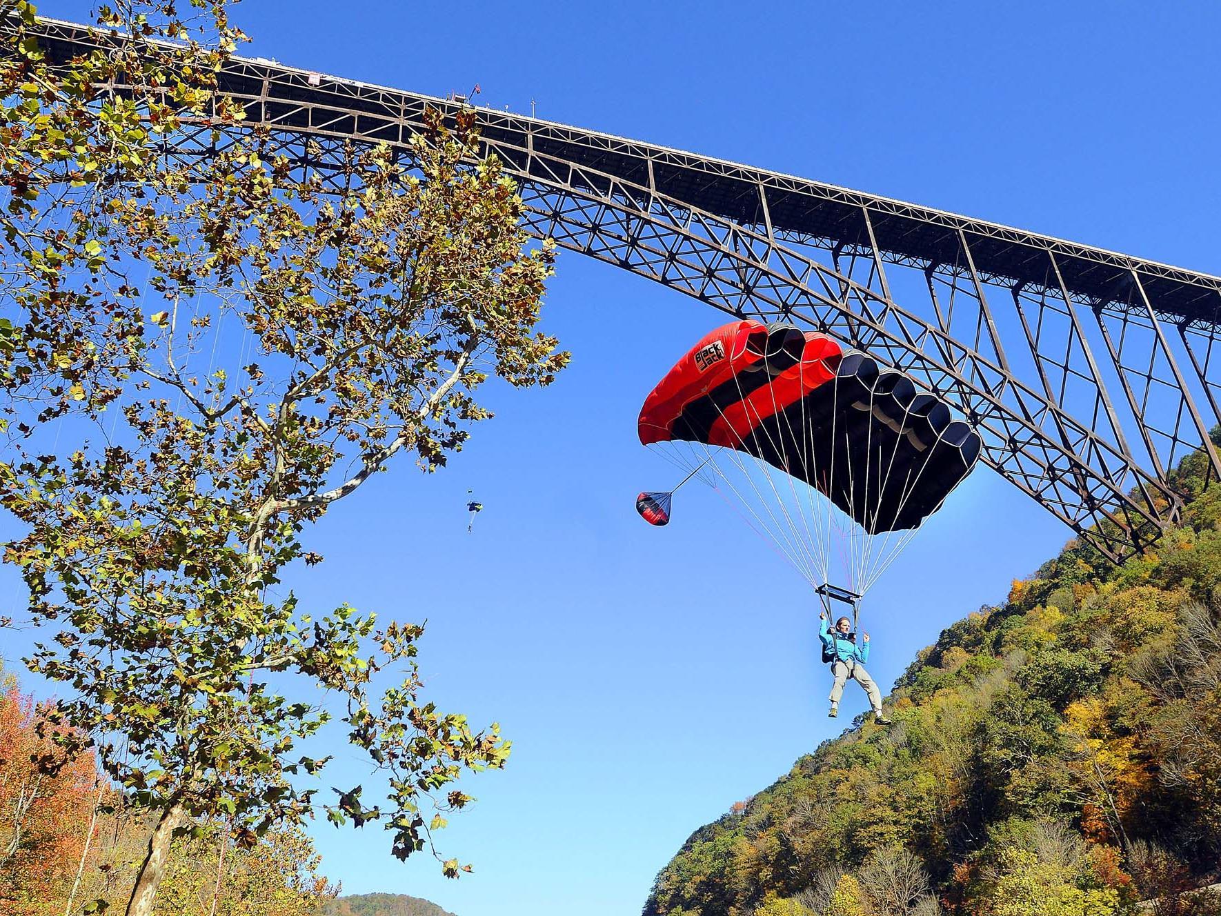 Im Berner Oberland starben erst vor ein paar Tagen zwei Wingsuit-Springer.
