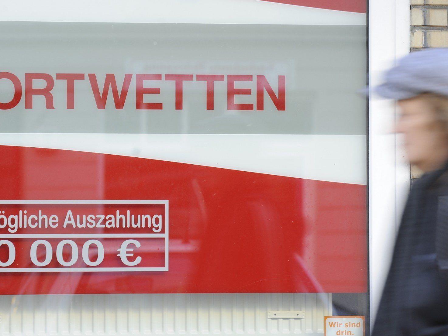 Angestellter erfand wegen Spielschulden Überfall auf Wiener Wettbüro