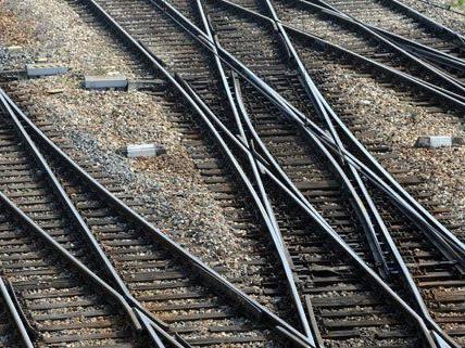 In Wien werden entlang der Bahngleise weitere Lärmschutzwände errichtet.