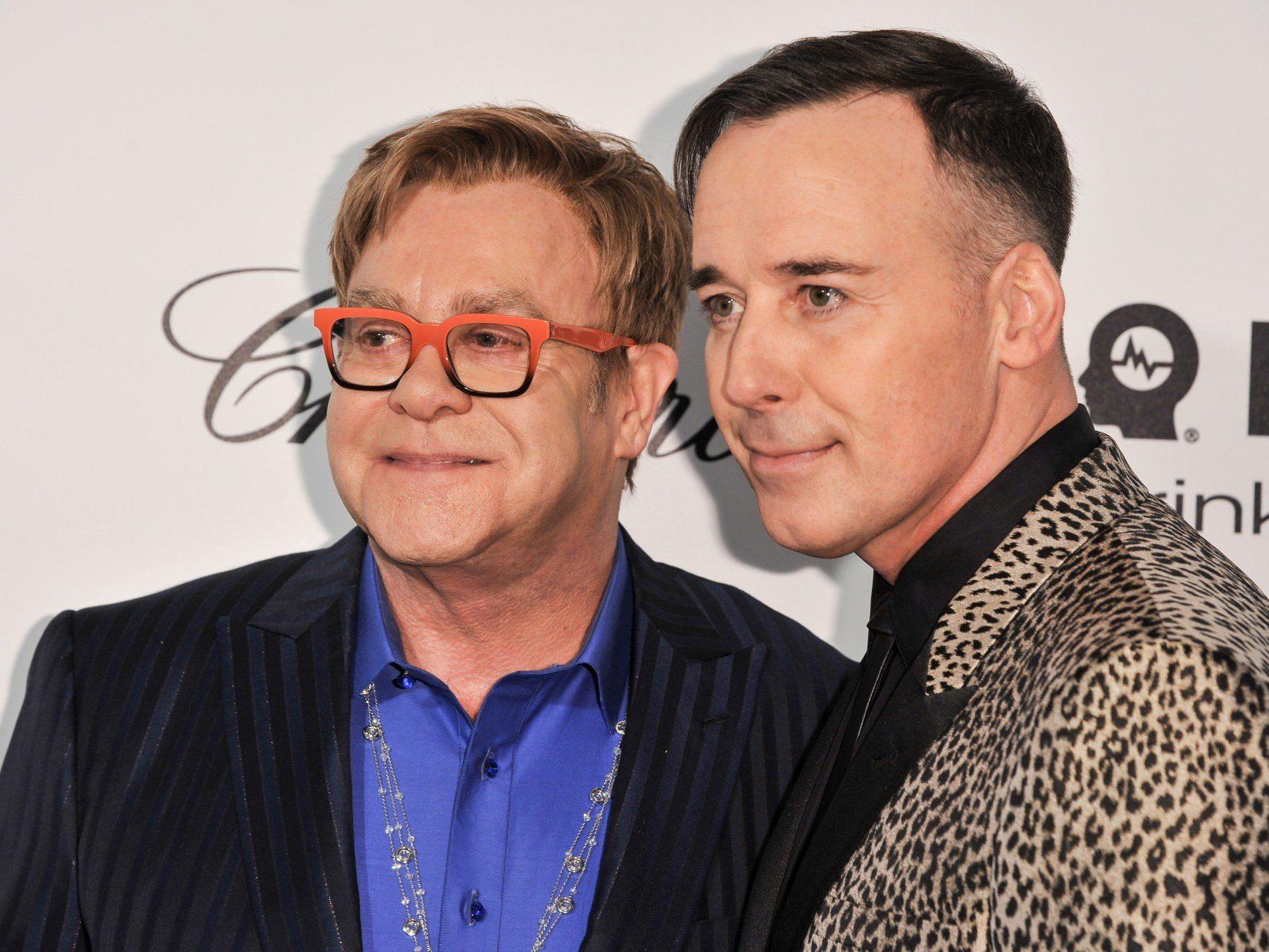 Nach Einführung der Homo-Ehe in England: Elton John und David Furnish heiraten.
