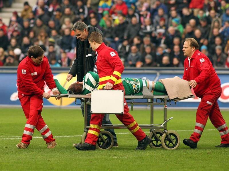 Christopher Dibon verletzte sich am Sonntag und erlitt einen Kieferhöhlenbruch.