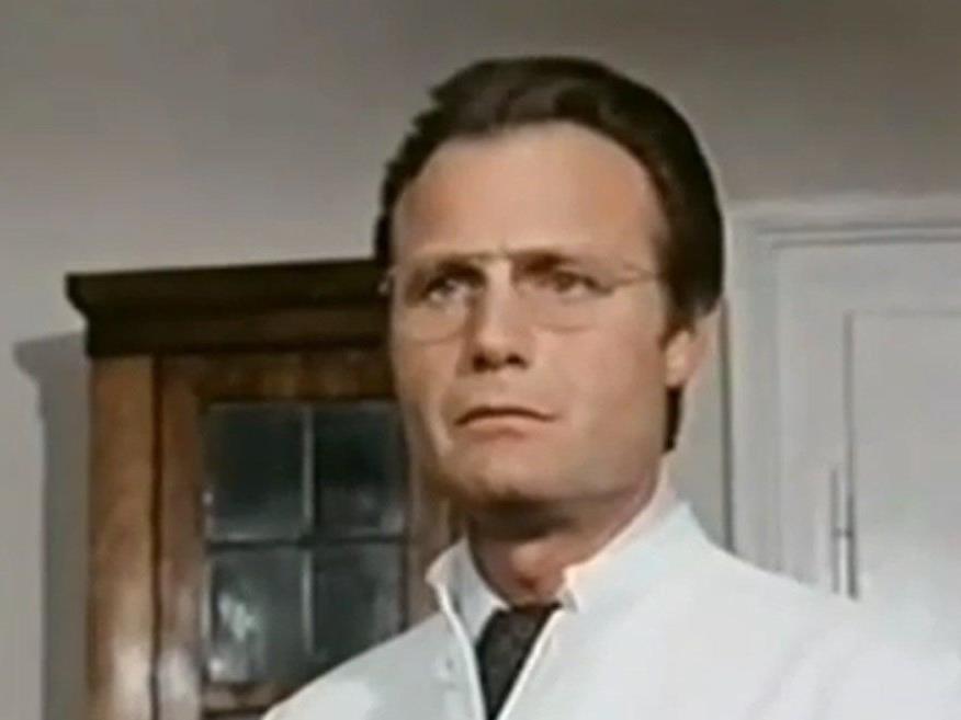 """Karl Walter Diess in einer Folge von """"Derrick""""."""