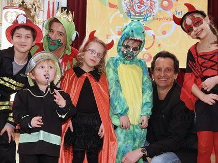 Bunt kostümiert waren die Gäste bei der Faschingsfeier im Wiener Rathaus.