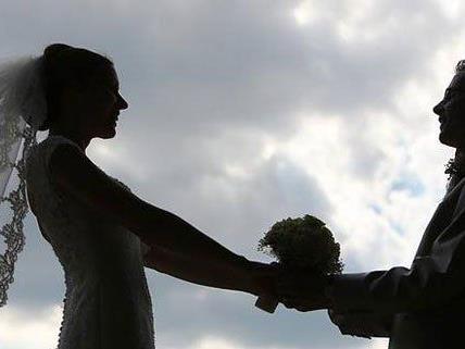 Eine Hochzeitsfeier in Wien-Floridsdorf endete mit vier Verletzten.