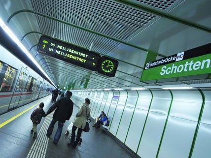 An zwei U4-Stationen kam es am Samstag zu Festnahmen.