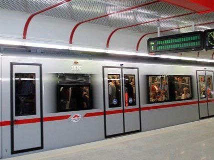 Raubüberfall bei U-Bahnstation.