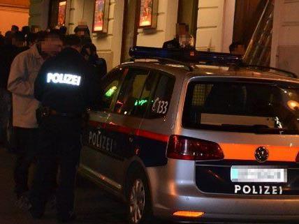 Polizeieinsatz im Wiener Bermudadreieck am Dienstag.