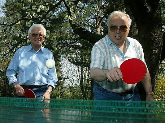 Pensionisten spielen gerne Tischtennis