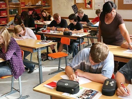 Kritik höheren Schülerzahlen pro Klasse