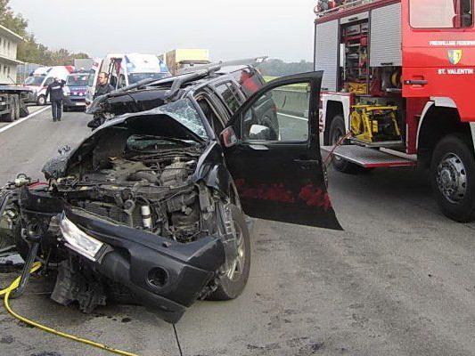 Der Unglückswagen vom 7. Oktober 2013 auf der A1