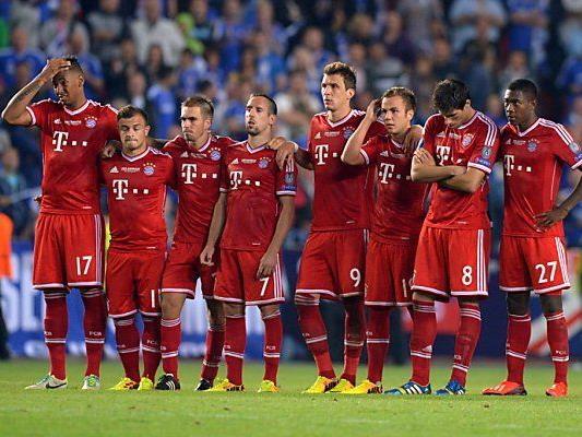 Die Bayern treten zunächst auswärts an