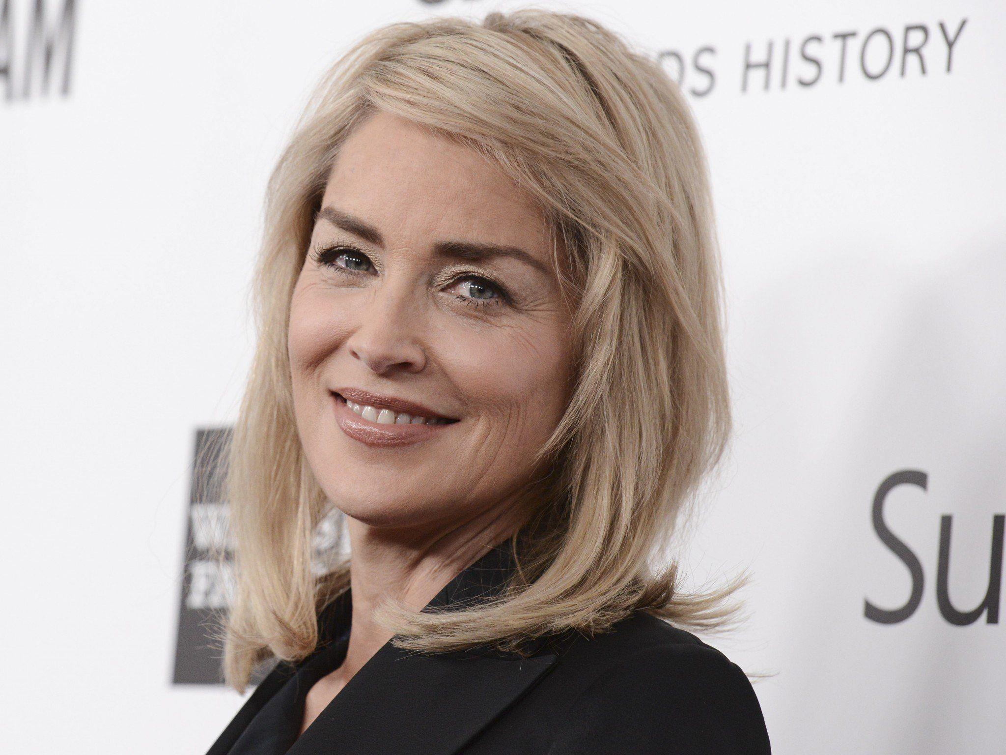 Sharon Stone wurde in São Paulo in eine Klinik eingeliefert.