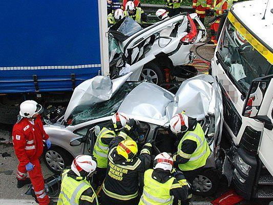 Die Unfallstelle auf der Südautobahn (A2) bei Wiener Neudorf