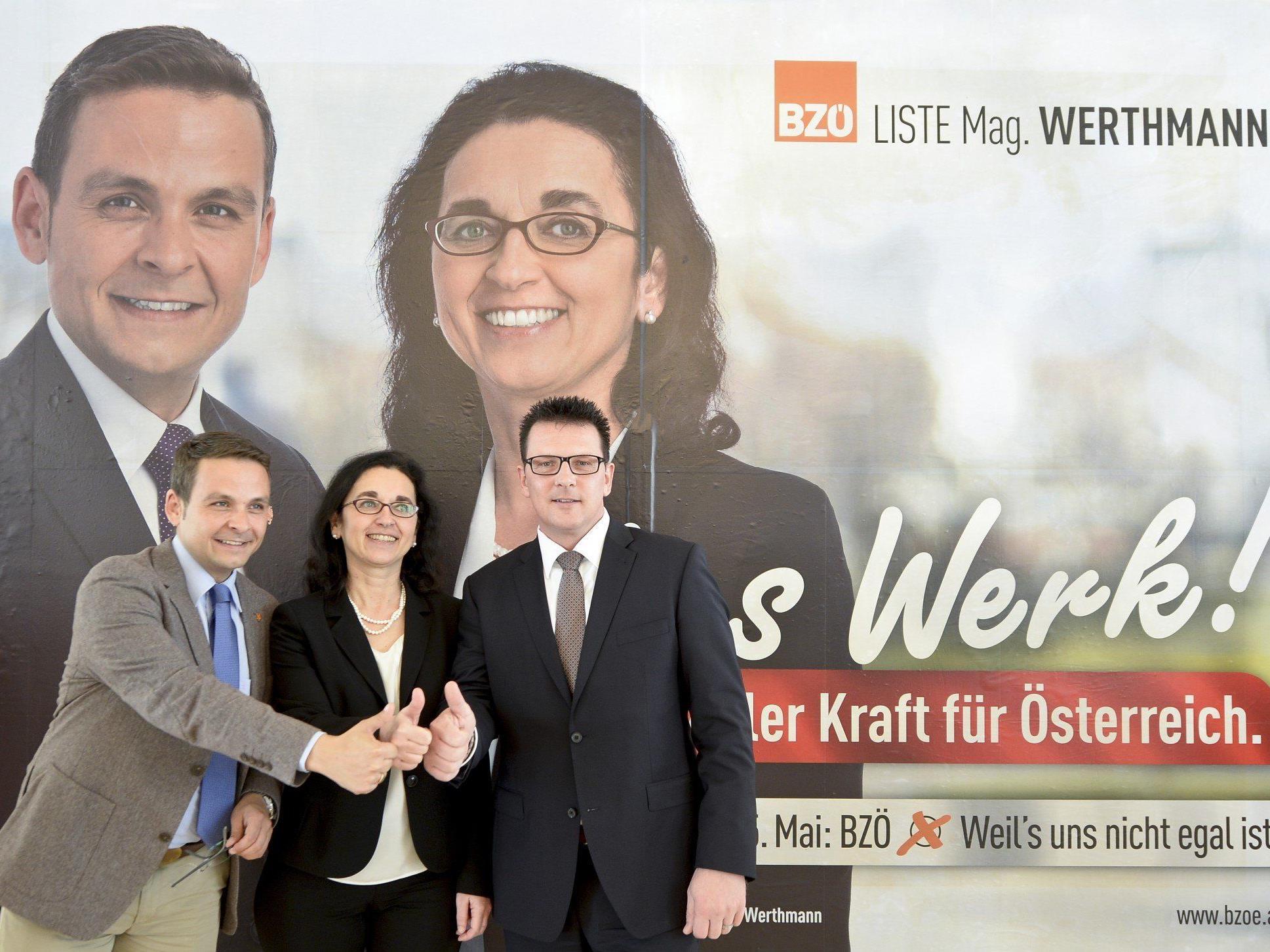 Spitzenkandidatin Angelika Werthmann gemeinsam mit BZÖ-Chef Gerald Grosz auf den BZÖ-Plakaten.