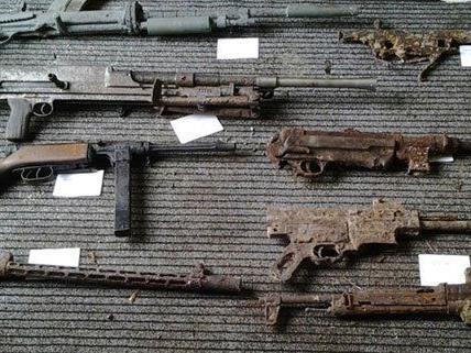 Die sichergestellten Waffen waren zum Großteil bereits stark verrostet.
