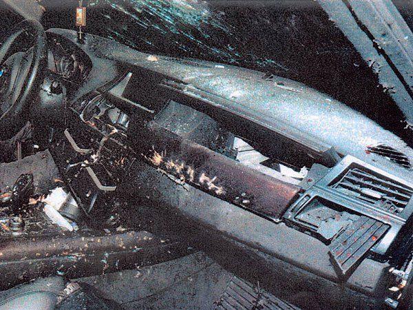 Im Inneren des Autos, in dem die Granate explodierte.