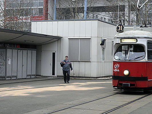Hier am Franz Jonas Platz wurde im Jänner bereits ein Fahrer der Wiener Linien attackiert
