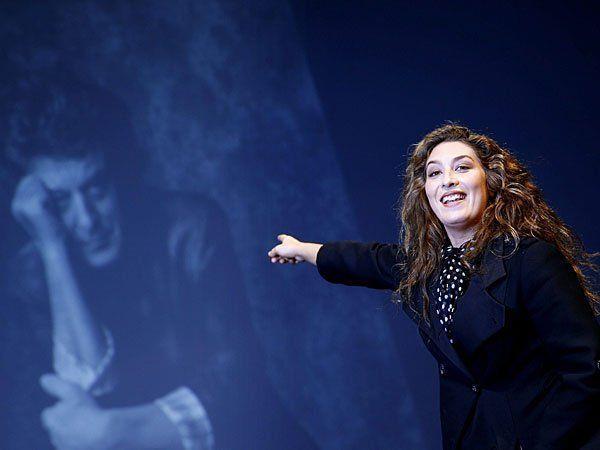 Die spanische Flamenco-Sängerin Estrella Morente bei einer Gedenkfeier für ihren verstorbenen Vater