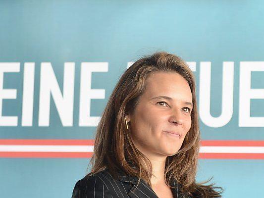 Kurzer Polit-Auftritt von Ulrike Haider-Querzia