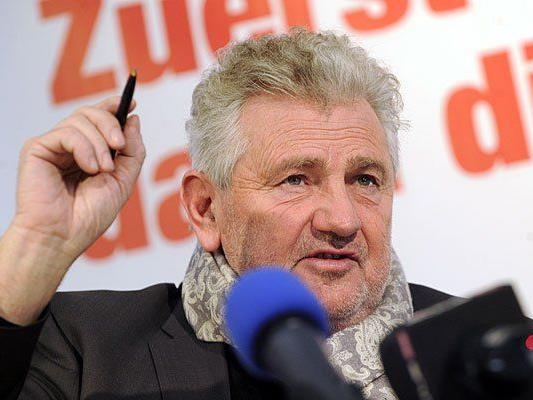 Mölzer ist nach vielfachem Wunsch zurückgetreten - die SPÖ witter dahinter Kalkül