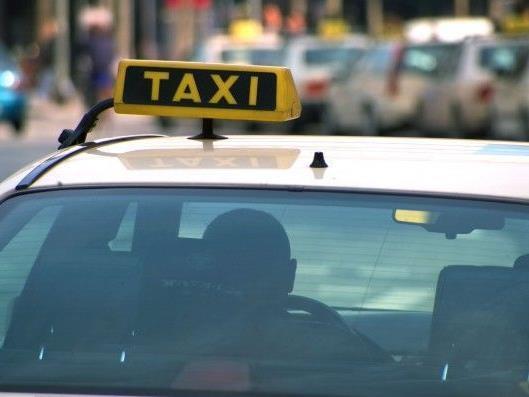 Ein Taxifahrer soll zwei Mädchen missbraucht haben