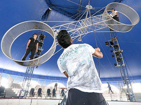 Der Schweizer Traditionszirkusdynastie Circus Louis Knie gastiert von 11. April bis 04. Mai 2014 in Wien-Liesing