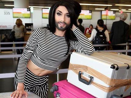 Conchita Wurst kurz vor der Abreise nach Kopenhagen.