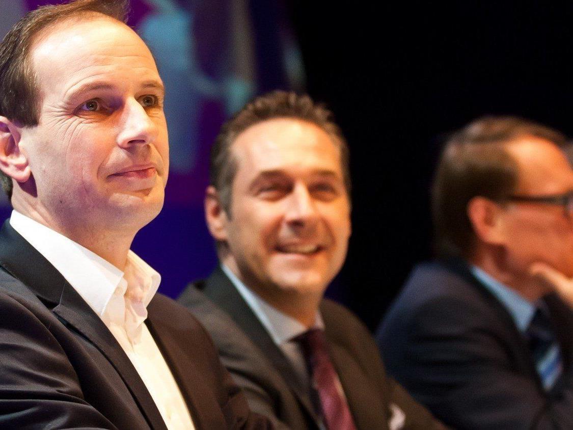 Offiziell ist Mölzer auf der FP-Klausur in Schruns kein Thema - inoffiziell sieht die Sache anders aus...