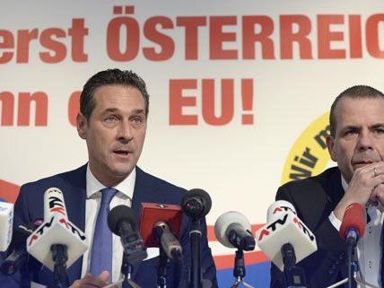 Strache und Vilimsky bei einer Pressekonferenz am Mittwoch.